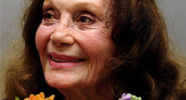 Tiyatro sanatçısı Yıldız Kenter hayatını kaybetti