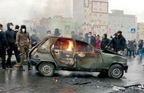İran kaynıyor... Hamaney göstericileri vatan haini ilan etti