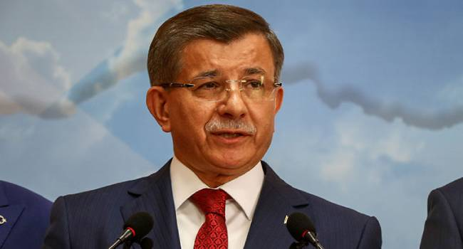 AKP'den iki Davutoğlu istifası daha mı?