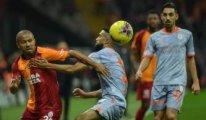 Galatasaray'ın 41 maçlık serisini Başakşehir sona erdirdi