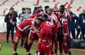 Sivasspor Alanyaspor'u geçti liderliğe yükseldi: İşte son puan durumu