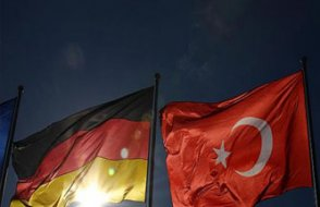 Araştırma: 'Gurbetçiler'in çoğu Almanya'yı 'kendi evi' görüyor