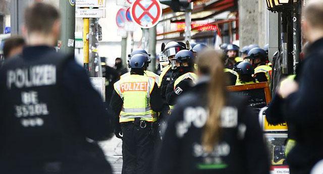 Almanya'da tartışma: Polis zanlının soyunu araştırabilir mi?
