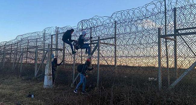 Yunanistan'dan Türk sınırına takviye polis