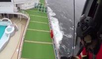 Karantinaya alınan gemiye operasyon