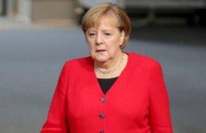 Merkel yeniden aday olacak mı?