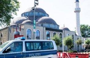 Alman şehirlerinde ezan sesleri: Müslümanlara moral için hoparlöre izin verildi