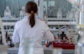 Aşılamaya rağmen korkutan koranavirüs açıklaması