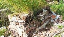 6 mezar daha balyozla yıkıldı
