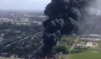 Salgın ile mücadele eden ülkede Kimyasal fabrikadaki patlama korkuttu