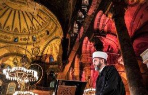 Ayasofya'ya 2 imam, 4 müezzin