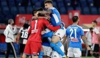 Napoli, Juventus'u finalde devirdi