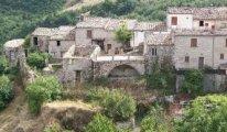 İtalya'daki köyde bedava konaklama imkânı