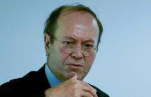 Yeni Şafak yazarı Yusuf Kaplan: Hükümet ayağına sıkıyor
