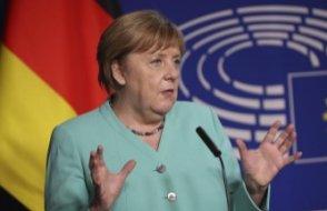 Merkel duyurdu: Almanya'da kısıtlamalar resmen uzatıldı!