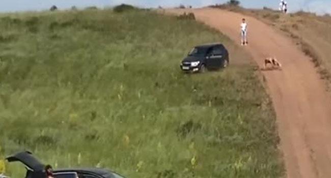 Dikkat sürücüsüz araba geliyor