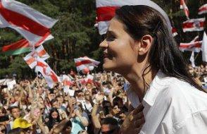 Belarus'ta muhalif aday Tikhanovskaya ülkeyi terk etti