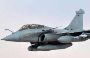 Fransız savaş uçakları Kıbrıs'ta