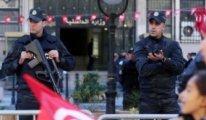 Tunus'ta polislere bıçaklı saldırı düzenlendi