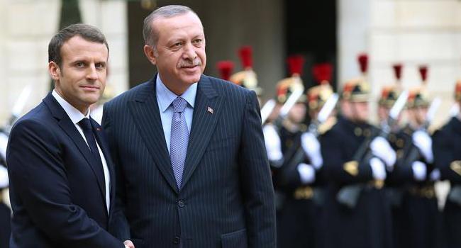 Macron'dan Türkçe mesaj!