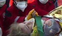 65 saat sonra üç yaşındaki çocuk sağ çıkarıldı