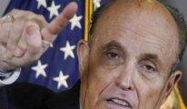 Trump'ın avukatı Giuliani'nin zor anları:  Basın toplantısında saç boyası aktı