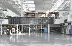 Terminaller, buz pistleri, konser salonları... Almanya aşı merkezlerini kuruyor