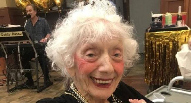 Dünya 102 yaşındaki kadını konuşuyor
