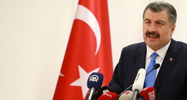Koca duyurdu: Türkiye'de aşı yaşı 18'e indi