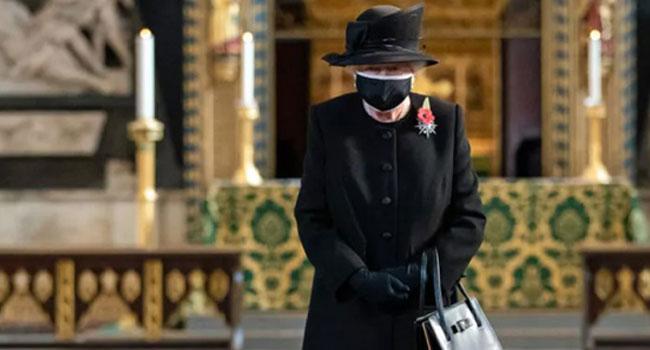 İngiliz Kraliyet ailesi torun Harry ve eşine karşı atakta