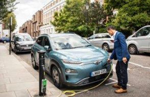 Petrolcüler elektrikli araç şarj işine hızlı girdi