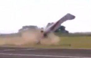 Kazakistan'da hafif motorlu uçak kalkış sırasında düştü