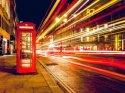 Aşılamanın devam ettiği İngiltere'de birçok işletme yarın açılıyor