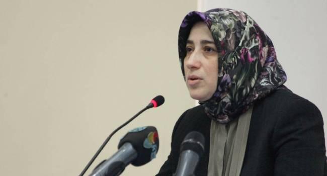 AKP'li kadından her hafta ayrı bir iftira ve yalan...