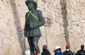 İspanya'da diktatörün son heykeli de kaldırıldı