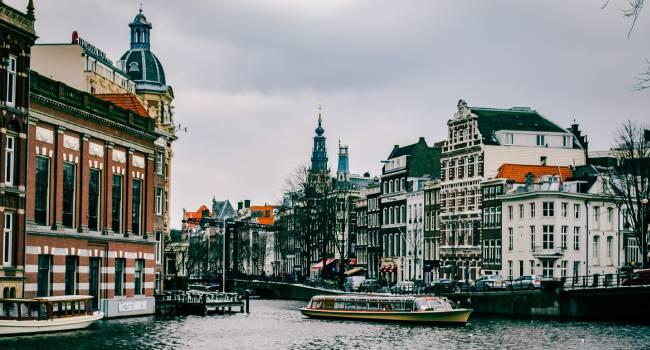 Hollanda riskli ülke seyahat kurallarını değiştirdi