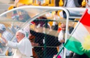 Papa Kürdistan'da ayin düzenledi