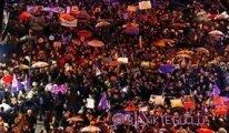 8 Mart Feminist Gece Yürüyüşü'ne katılan kadınlara polis baskını ile gözaltı
