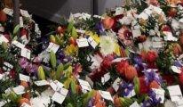 8 Mart'ta  Avusturya Parlamentosundaki 73 Kadın milletvekiline  çiçek gönderdiler
