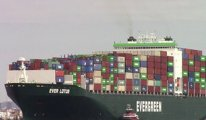 Mısır Süveyş Kanalı'nı tıkayan gemiyi alıkoyacak