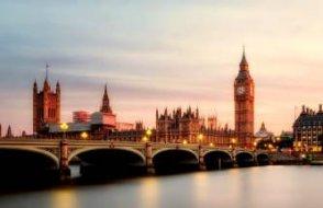 'Korona sorunu'nu halleden İngiltere yeni faza geçiyor