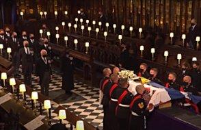 İngiltere Kraliçesinin eşi Edinburgh Dükü Prens Philip toprağa verildi