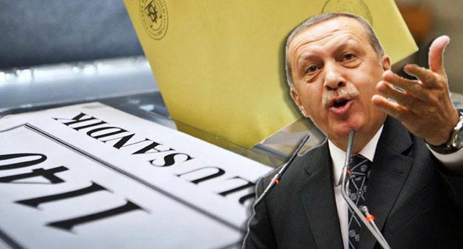 Her ay birer ikişer düşüyor! AKP'nin oy oranı ilk kez %30'un altına indi