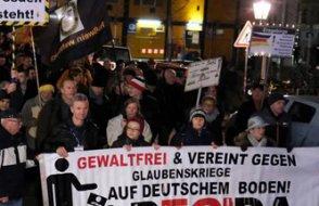 Alman istihbaratı İslam ve göç karşıtı Pegida hareketini kara listeye aldı