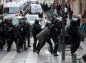 Fransa'da halk 'aşı pasaportuna' karşı sokaklara döküldü