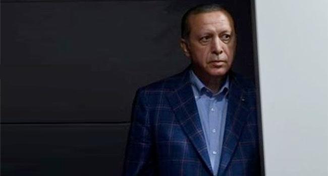 Halkın öfkesinden korkan Erdoğan yine suçu başkalarının üzerine attı