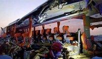 TIR otobüsü biçti: 9 ölü, 30 yaralı