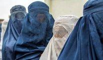 İngiliz askerleri Afganistan'dan 'burka' giyerek kaçabilmiş