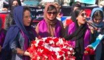 Kabil'de kadınların eylemine Taliban saldırdı