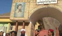 Taliban Pençşir'e bayrağını dikti